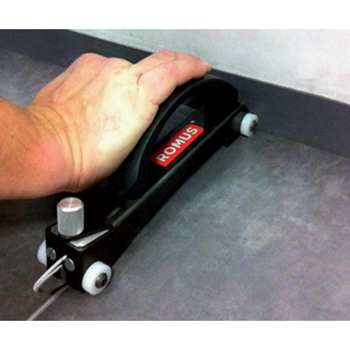 alati-podpolaganje-ljepljenje-vruce-varenje-PVC-linoleum-linea-rucni-frezer-na-kotacicima-4-diad