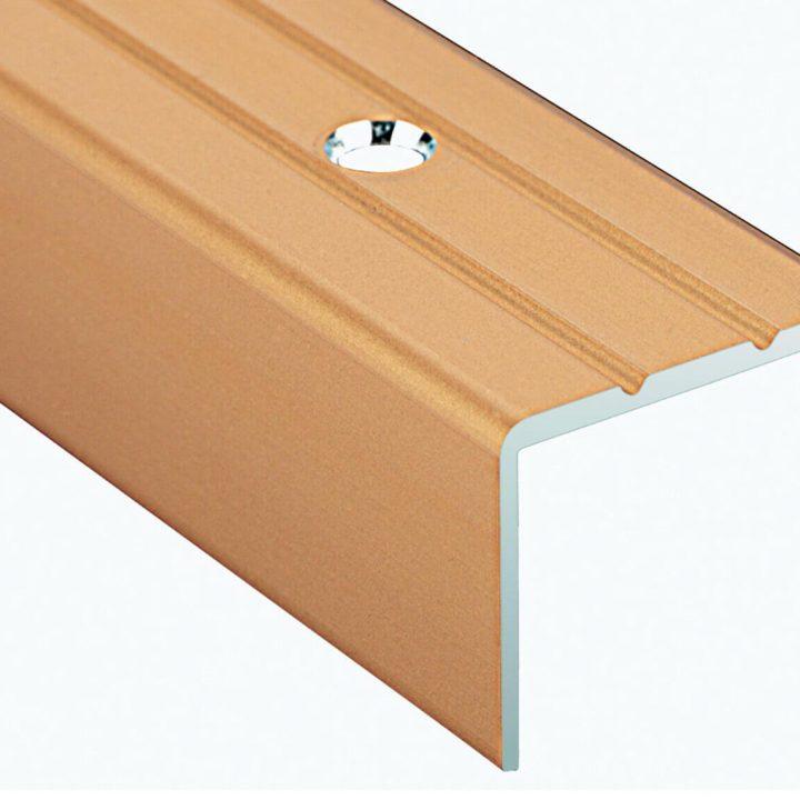 Stepenišni alu profil 25-10 mm bušeni