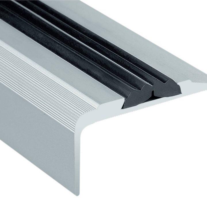 Stepenišni alu profil 43-23 mm sa umetkom